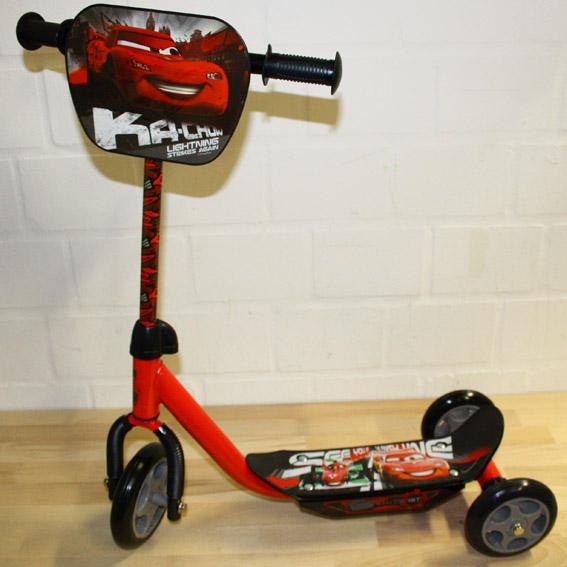 disney cars 2 kinder scooter tretroller roller dreirad. Black Bedroom Furniture Sets. Home Design Ideas